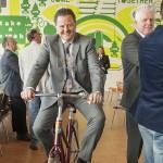 Proefrit op gewonnen fiets